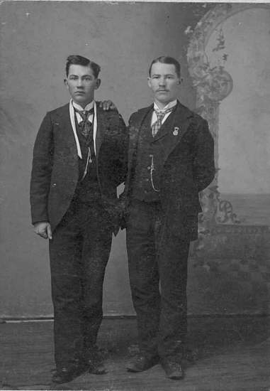 11 James and George W. Stanton 1898